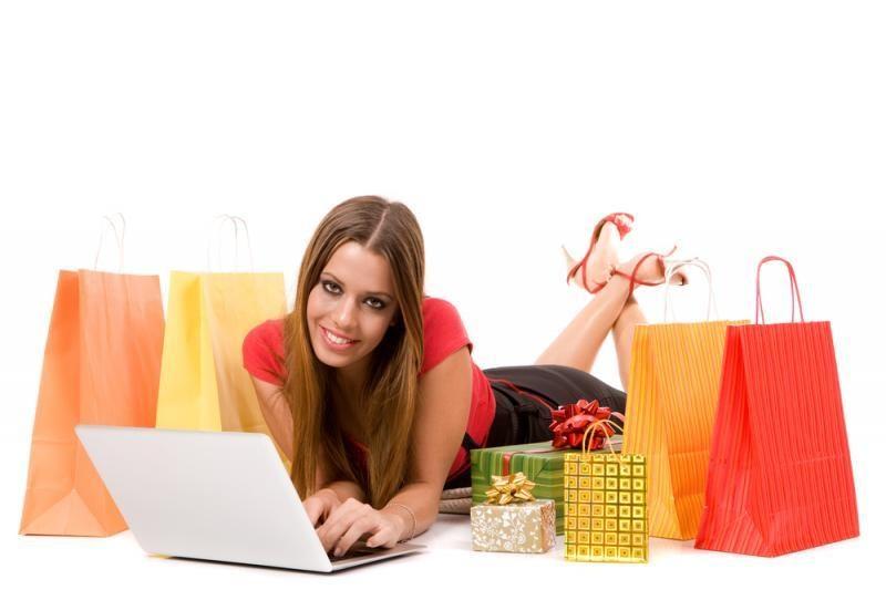 Elektroniką internetu dažniausiai perka jaunos moterys