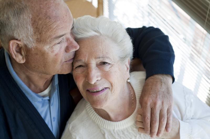 Niekada netekėjusi 106-erių australė įsimylėjo jaunesnį vyrą