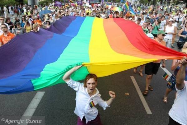 Kalifornijoje panaikintas homoseksualių asmenų santuokų draudimas