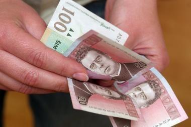 Įmonės planuoja įšaldyti atlyginimus