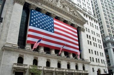 """Investuotojų dėmesys nukreiptas į """"juodojo penktadienio"""" rezultatus"""