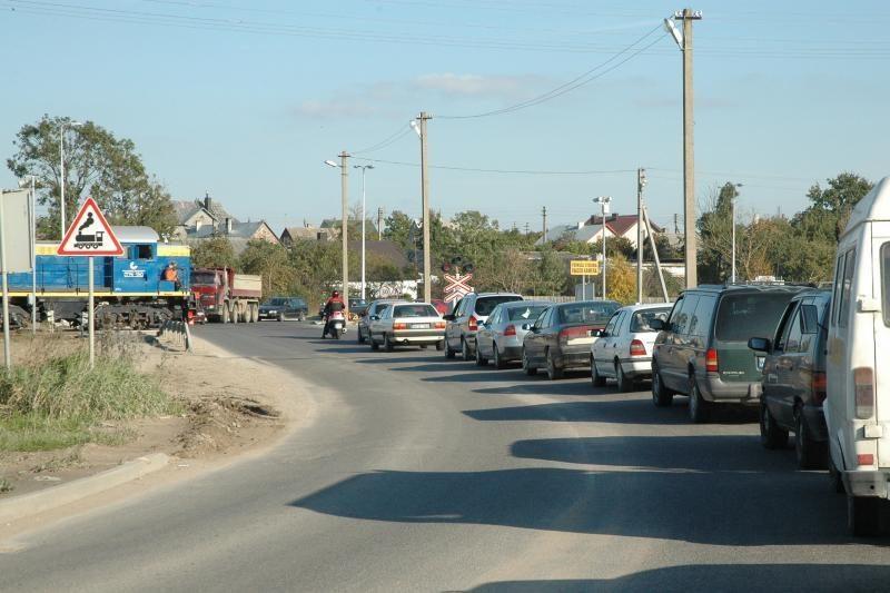 Rimkų pervaža vėl bando vairuotojų kantrybę