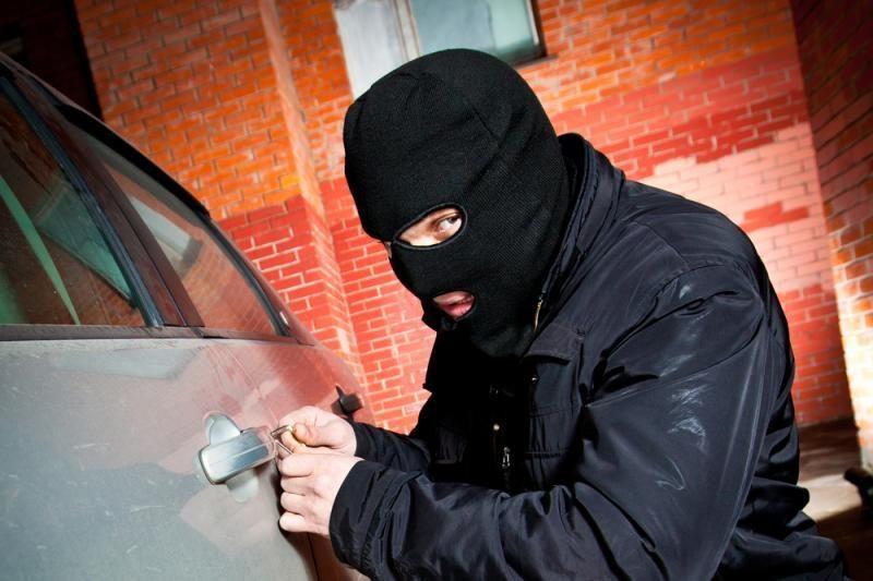 Klaipėdoje, Laukininkų gatvėje, apvogtas automobilis