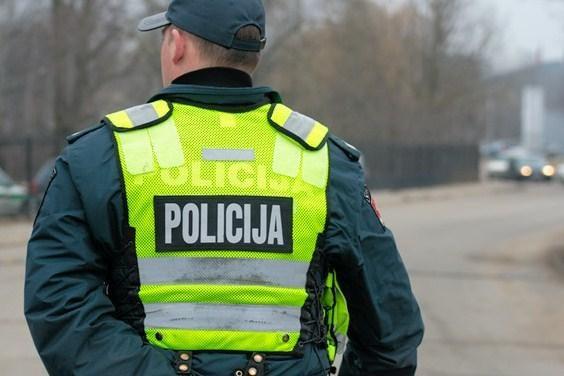 Ukmergės policija taksi keleivį tramdė elektrošoku