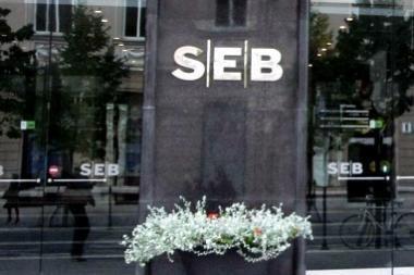 Švedai SEB bankui duos dar 100 mln. eurų