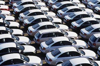 Baltijos šalyse stoja prekyba naujais automobiliais