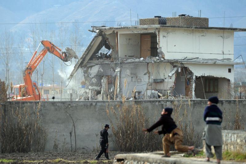 Medicinos darbuotoja prisimena mėginusi patekti į O.bin Ladeno namus