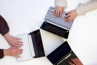 """""""Dropbox"""" vartotojų skaičius artėja prie 200 milijonų"""