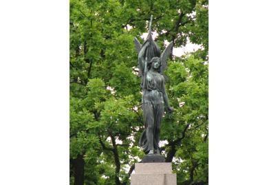 Laisvės statula laukia maudynių