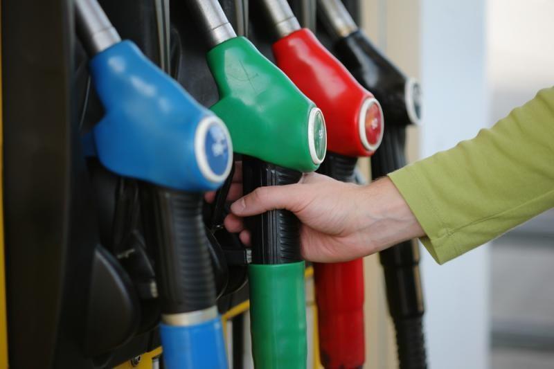 Ministerija degalų pardavėjus apkraus nelauktomis prievolėmis