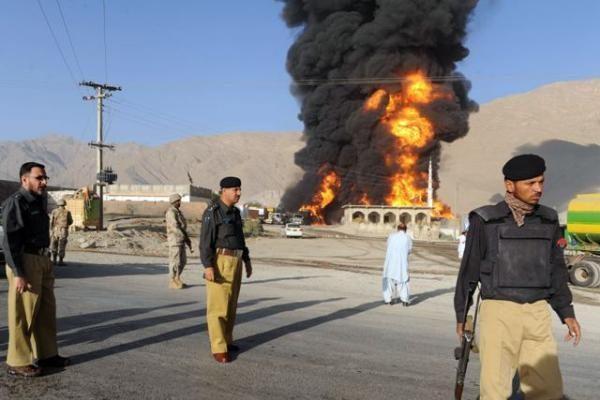 Afganistano rytuose per sprogdinimą žuvo trys NATO kariai ir 10 afganų