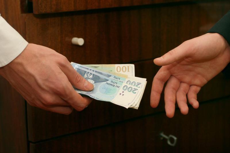 Vartojimo kreditus gauna vos pusė besikreipiančiųjų