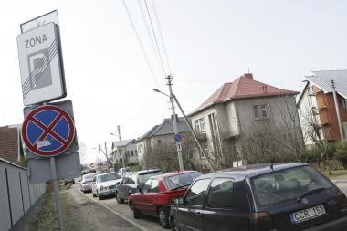 Prie Kauno klinikų - karas dėl automobilių stovėjimo
