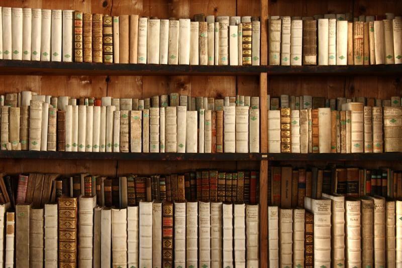 """""""Knygų Kalėdoms"""" padovanota tūkstančiai naujų knygų mokykloms"""
