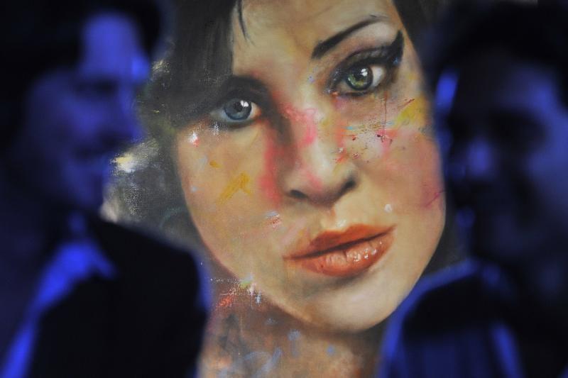 Londone pristatytas A. Winehouse portretas