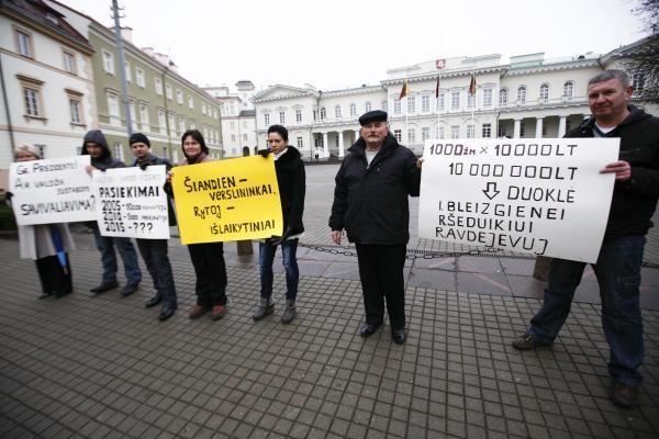 Prie prezidentūros - Gariūnų prekybininkų piketas