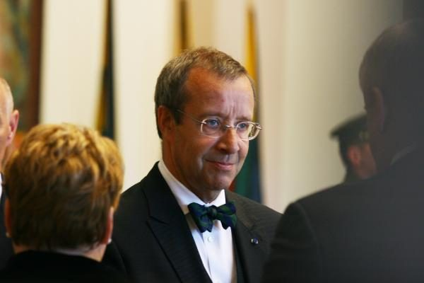 """Valstybės vadovai tarė paskutinį """"sudie"""" prezidentui A.Brazauskui"""