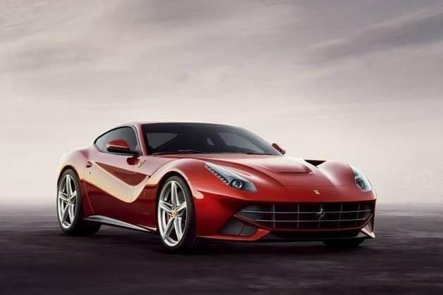 """""""Ferrari"""" pristatė greičiausią automobilį"""