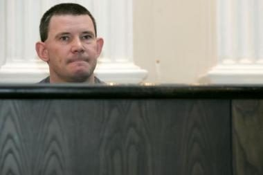 Parama karinei grupuotei kaltinamo airio byloje bus klausoma įrašų
