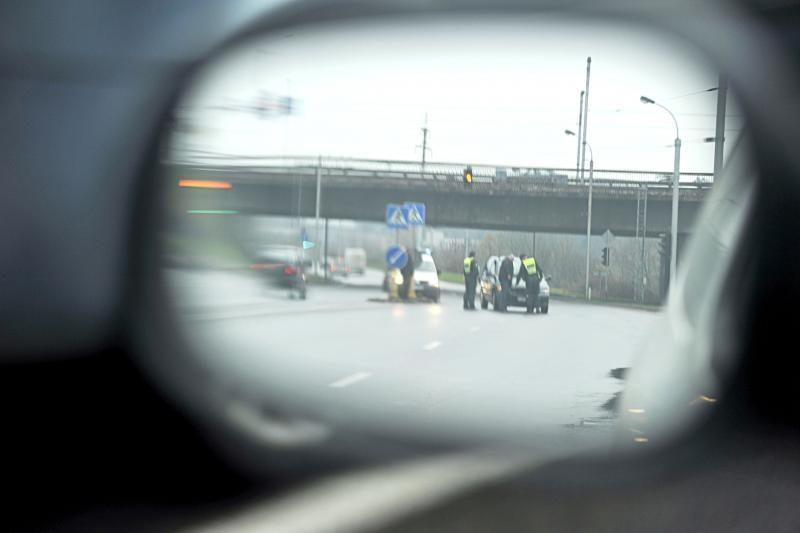 Neries krantinėje automobilis partrenkė per perėją ėjusią moterį