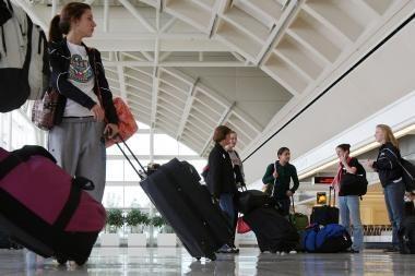 JAV oro bendrovė įveda mėnesinius bilietus