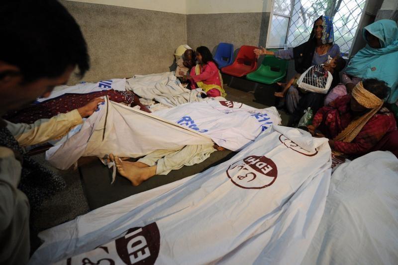 Pakistane per autobuso avariją žuvo 23 vestuvininkai
