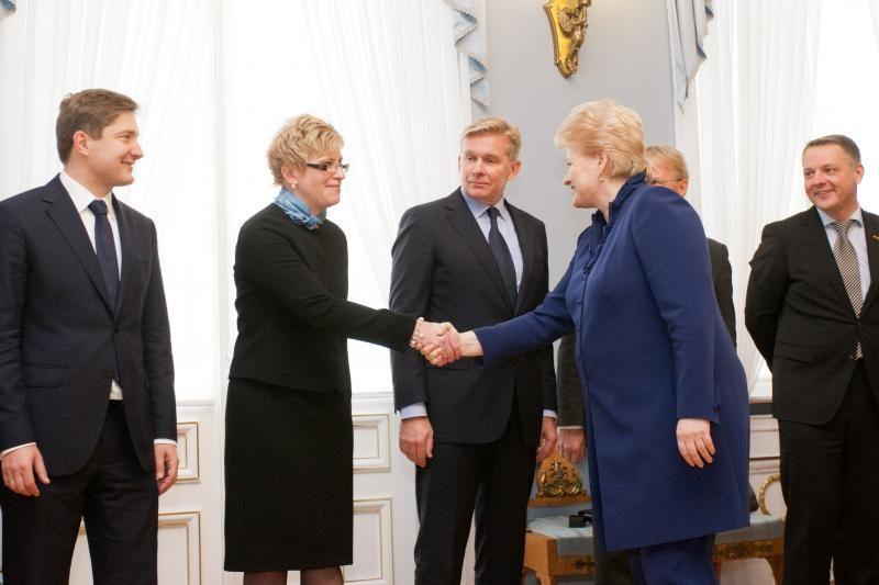 Prezidentė padėkojo Vyriausybės nariams už darbą