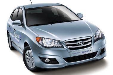 """Jau galima užsisakyti pirmąjį serijinį """"Hyundai"""" hibridą"""