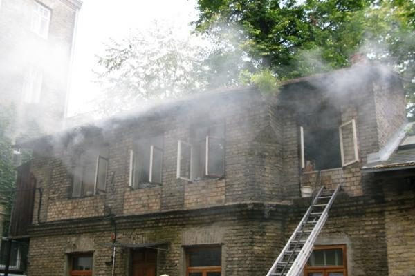 Sostinės senamiestyje degė butas