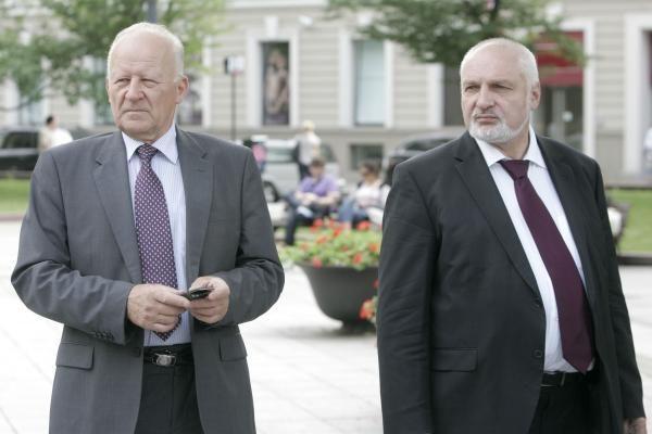 Mitinge Vilniuje valdžia kritikuota kaukšint plaktuku