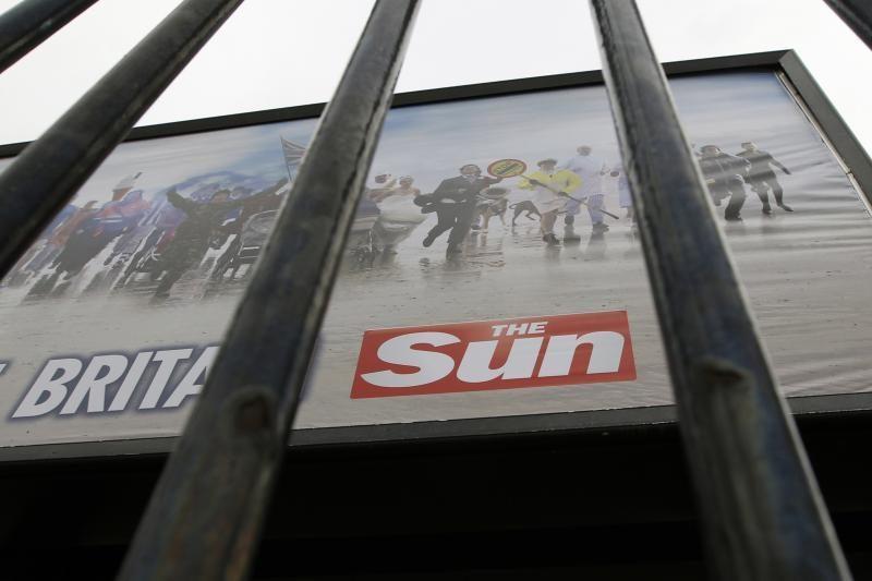 """Atlikta krata """"The Sun"""" redakcijoje, areštuoti 4 darbuotojai"""