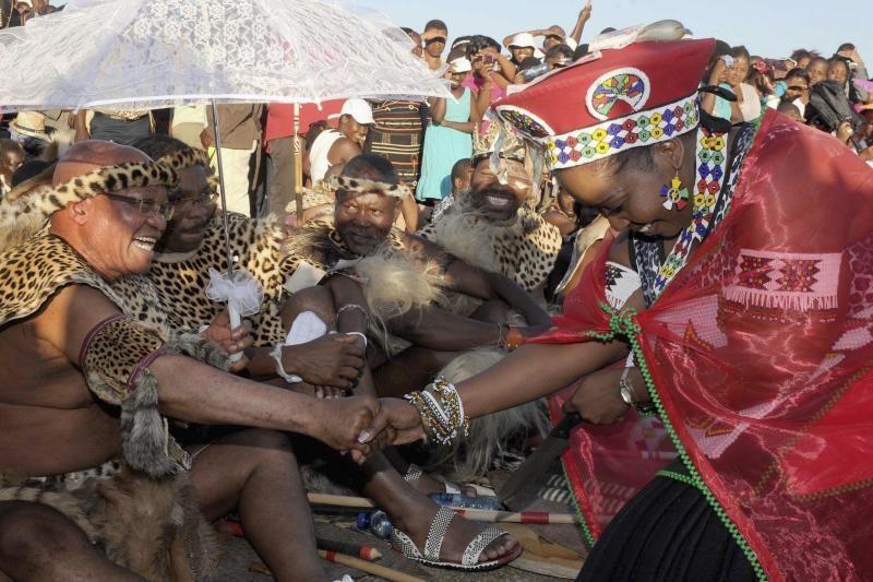 Pietų Afrikos prezidentas vedė šeštą kartą, dabar jis turės 4 žmonas