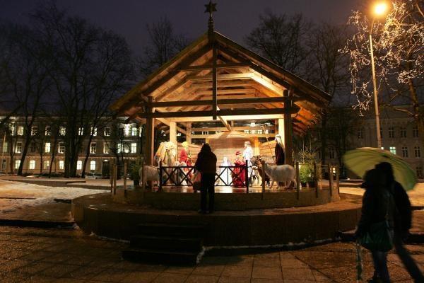 Vandalai nuniokojo pagrindinę Vilniaus prakartėlę, bažnyčia nusivylusi miesto valdžia