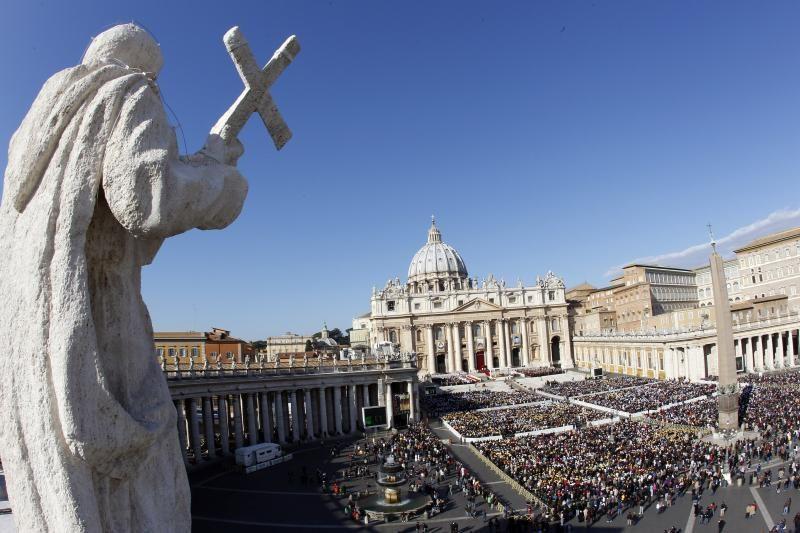 Įtakingas arkivyskupas smerkia korupciją Vatikane