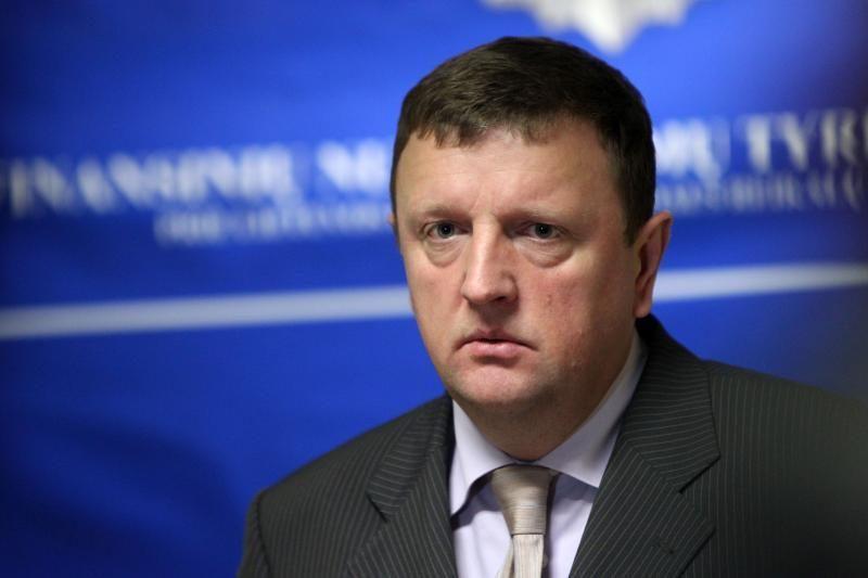 Komisija siūlo į pareigas grąžinti FNTT vadovus, atleisti D.Raulušaitį