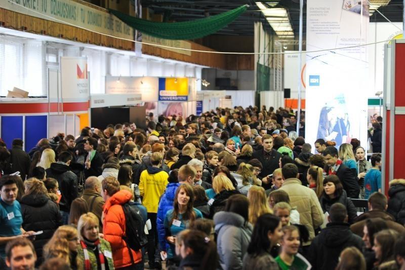 Aukštųjų mokyklų mugėje – tūkstančiai jaunuolių iš visos Lietuvos