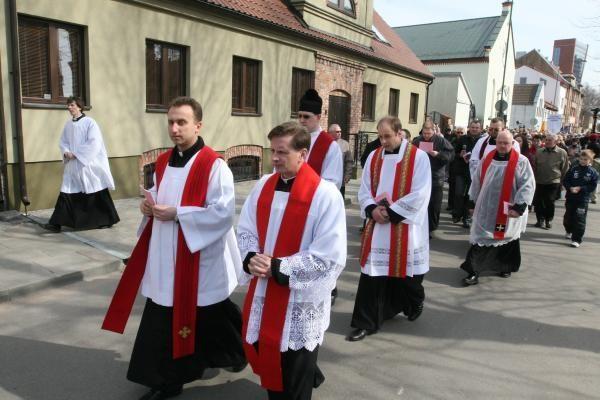 Kristaus kryžiaus kelią ėjo šimtai klaipėdiečių