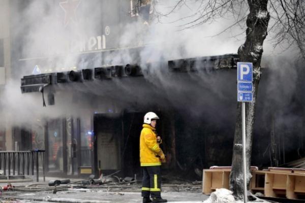 Tamperės mieste sudegė restoranas, 3 žmonės žuvo (papildyta)