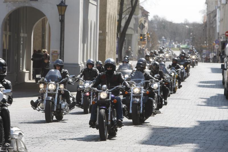 Klaipėdos gatvėmis riedėjo riaumojantys plieniniai žirgai