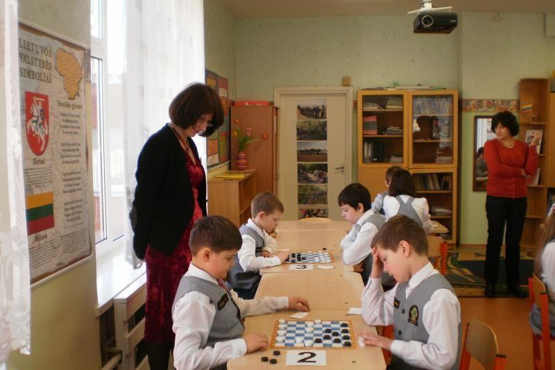 Klaipėdos mokykloje-darželyje surengtas šaškių turnyras