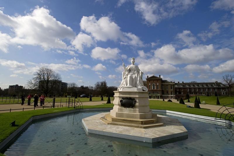 Vėl atidaromi Kensingtono rūmai, kuriuose gyveno princesė Diana