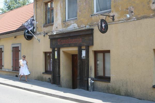 Vilniaus savivaldybė ketina riboti barų darbo laiką
