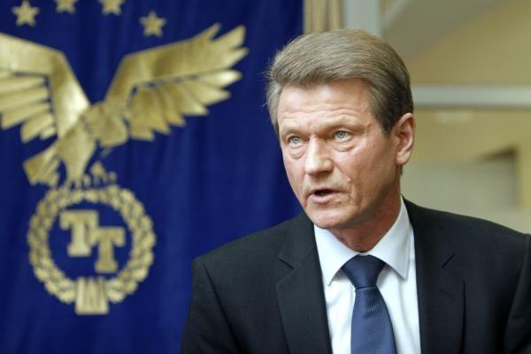 Pritarta įstatymui dėl leidimo R.Paksui siekti Seimo nario mandato