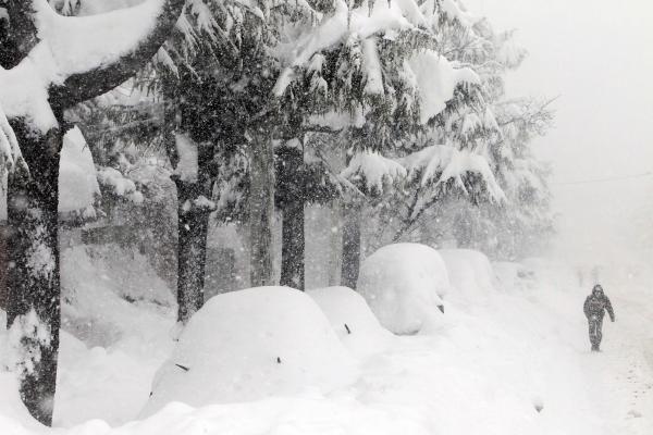 Subtropiniame Sočyje rusai privers debesis gaminti sniegą
