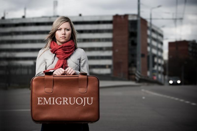 Tyrimas: lietuviai ne tik emigruoja į užsienį, bet ir grįžta