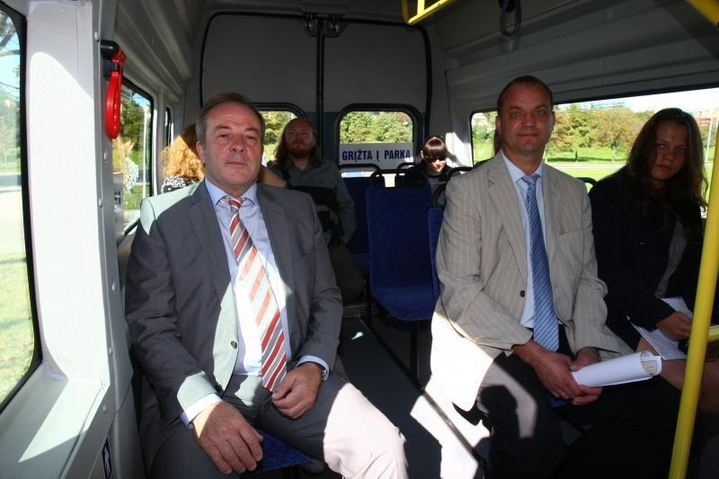Vilniaus senamiesčio gatvėmis rieda 4 autobusai