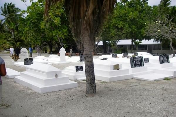 """""""Ragainės II"""" įgula paliko Palmerstouno salą"""