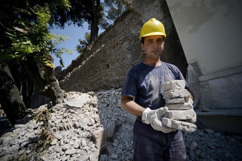 Romoje dėl karščio bangos apgriuvo dalis istorinės sienos