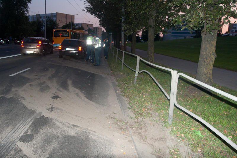 Vilniuje parblokštas kolonoje važiavęs motociklininkas