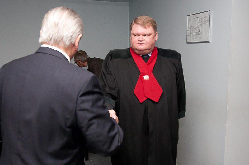 """Prokuroras nori nušalinti """"mailiaus"""" bylą nagrinėsiančią teisėją"""